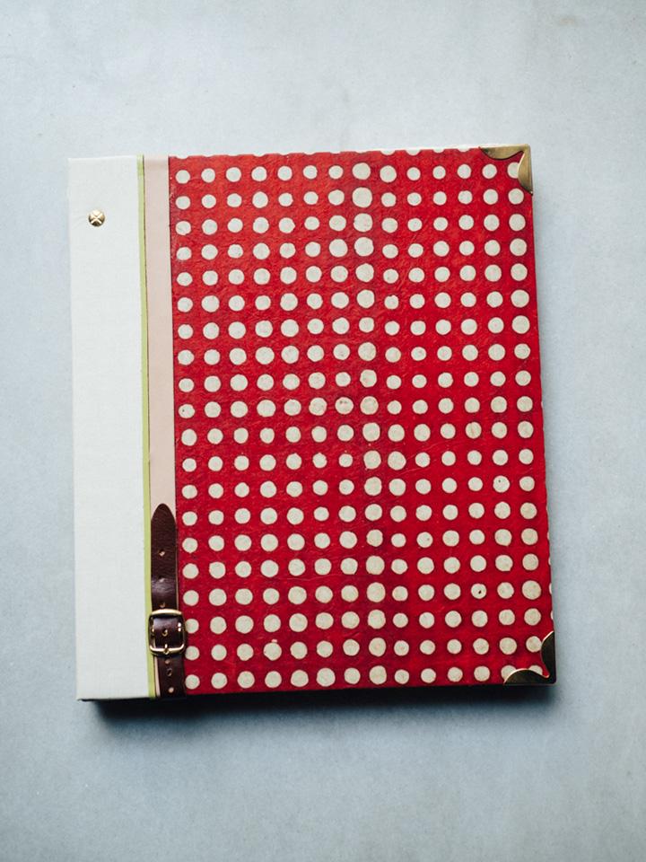 Album Rojo y puntos blancos 1