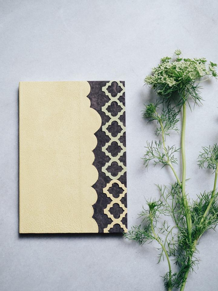 Cuaderno piel pistacho y marron 1