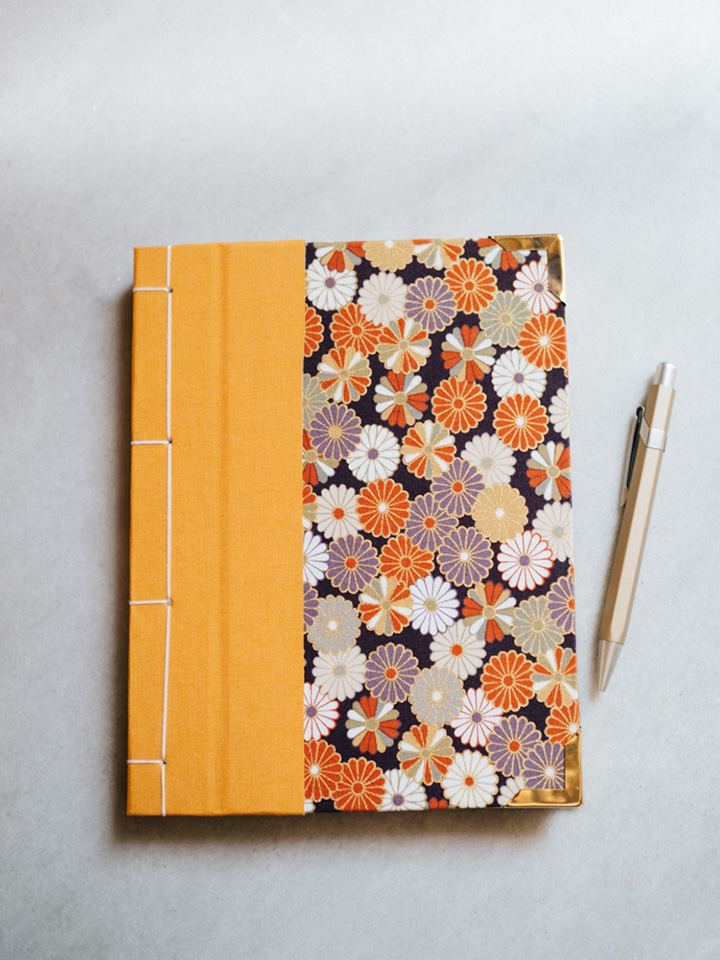Cuaderno de sueños dalias oscuras 1
