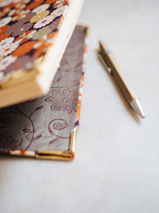 Cuaderno de sueños dalias oscuras 4