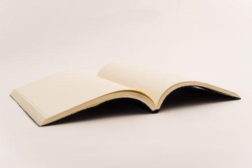 Cuaderno Piel negra Trenzada 2