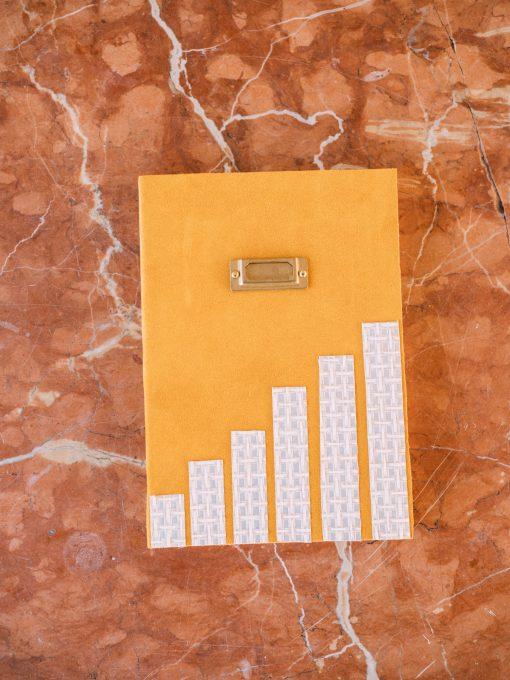 Cuaderno piel mostaza 1